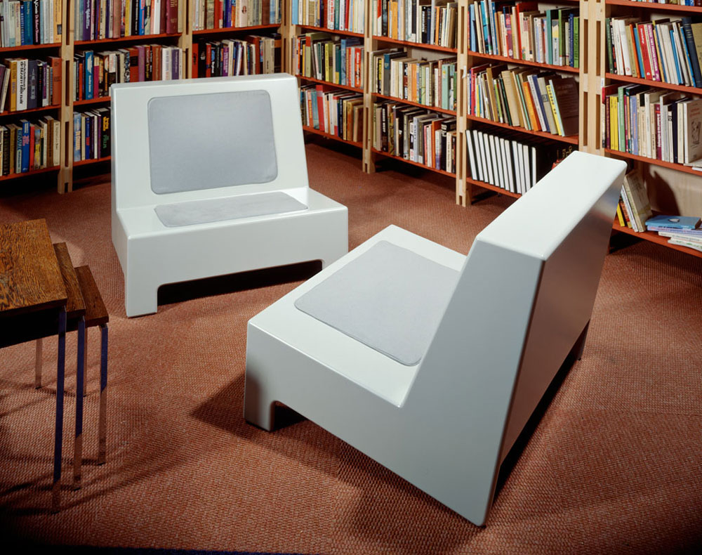 Stoelen, Proper collectie Space Oddity