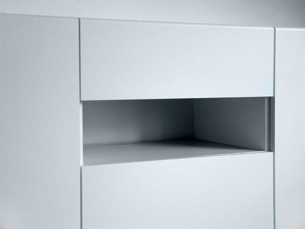 Hoog dressoir met open vak